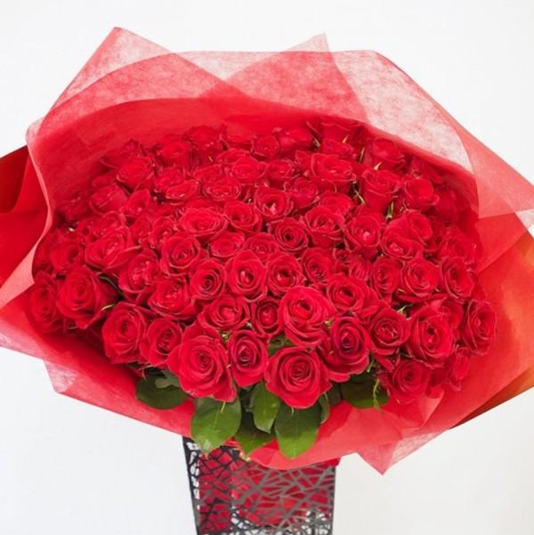 プロポーズ プレミアムローズ 大輪薔薇 バラの花束 赤 108本