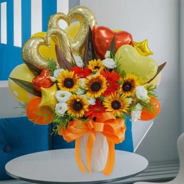 ひまわりと季節のお花のバルーンアレンジメント