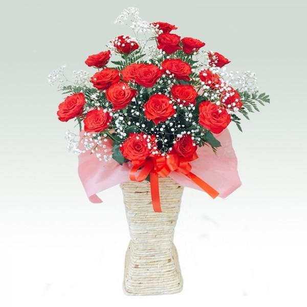 ローズスクエアスタンド花 レッド かすみ草付